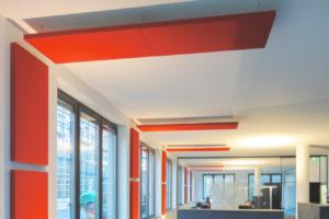 Deckensegel / Deckenabsorber / Großraumbüro / Konferenzraum