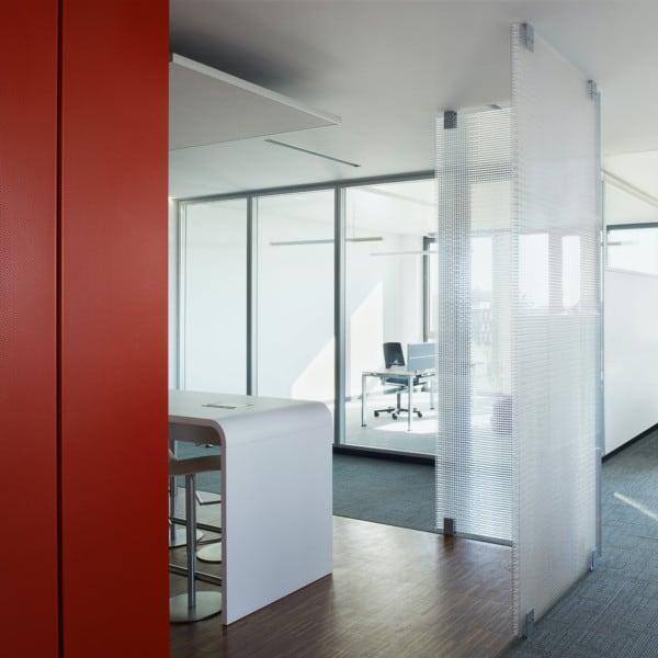 Lichtdurchlässig / klar / satiniert / Raumteiler / Schirm / Stellwände