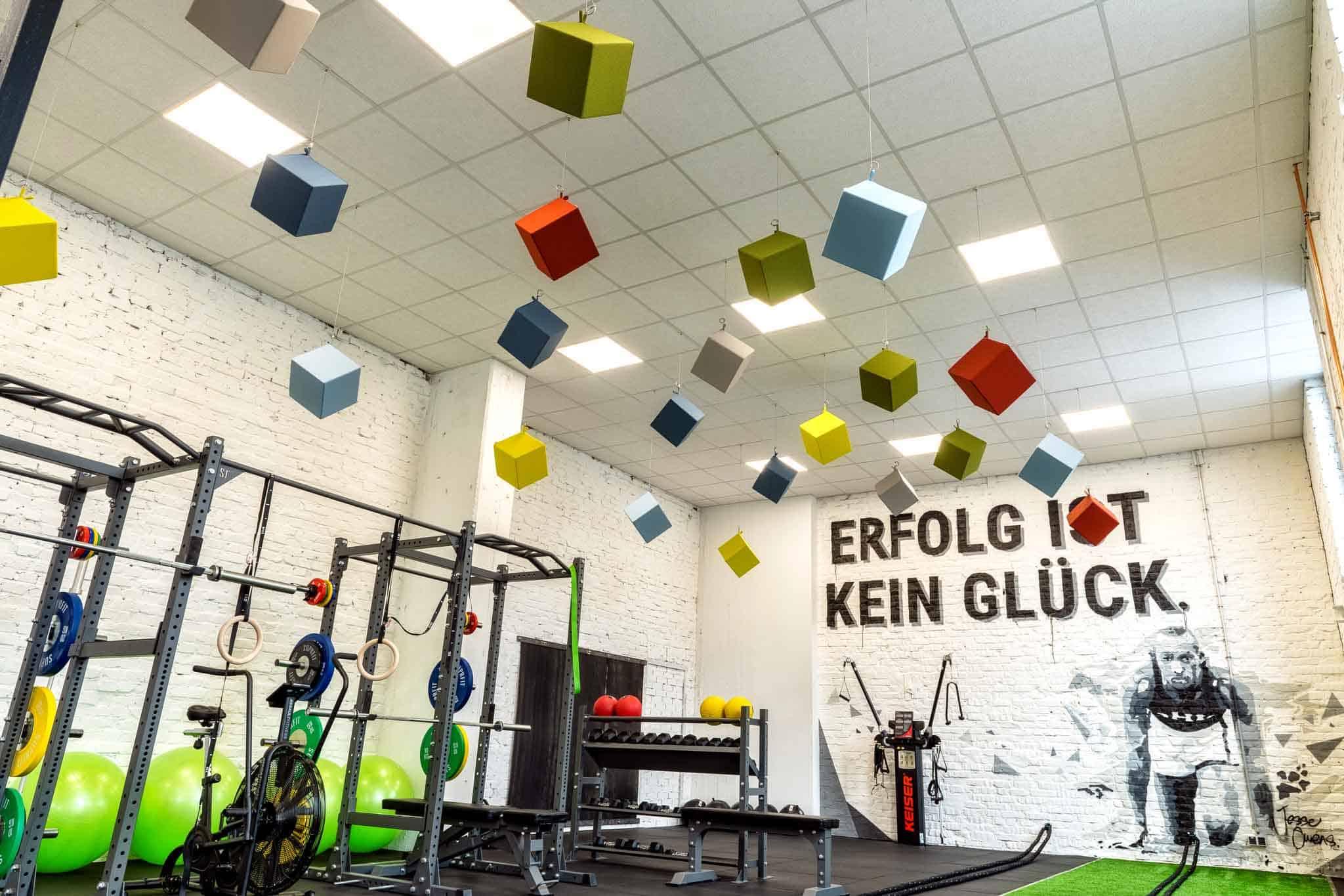 Unsere Akustikwürfel für das Fitnessstudio Meisterwerk Athletik